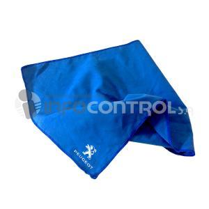 toalla azul verano playa piscina